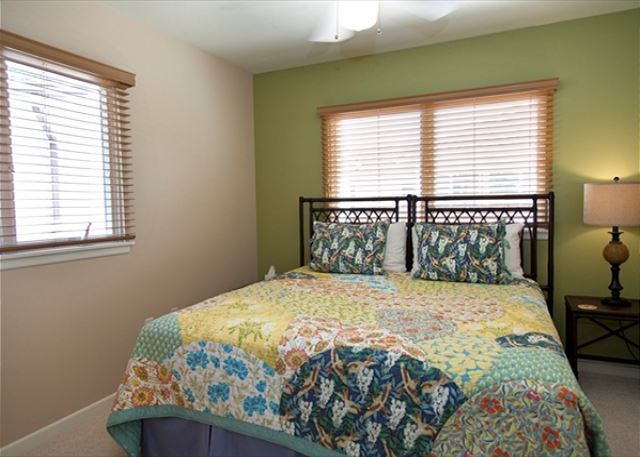 Guest Bedroom  convertible twin beds