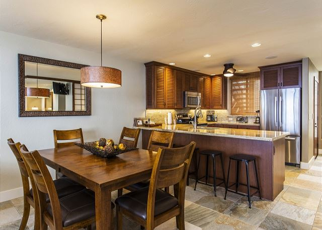 Gourmet Kitchen, Breakfast Bar and Dining