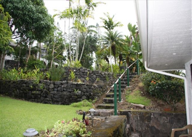 Steps to upper garden from Ohana