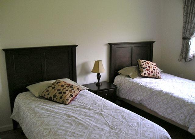 2nd Bedroom has Twin Beds