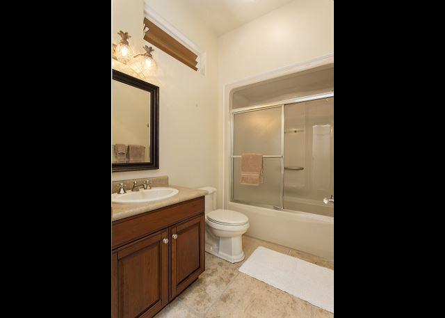 Bedroom 3 en suite Bathroom