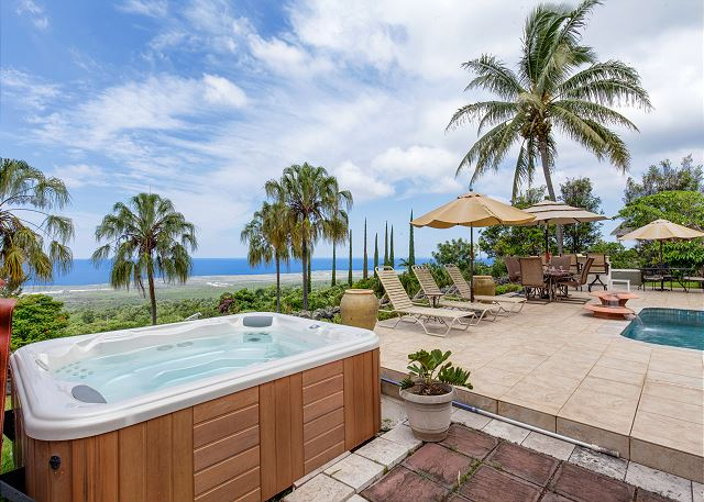 Hot Tub Perfect for Watching Beautiful Kona Sunsets