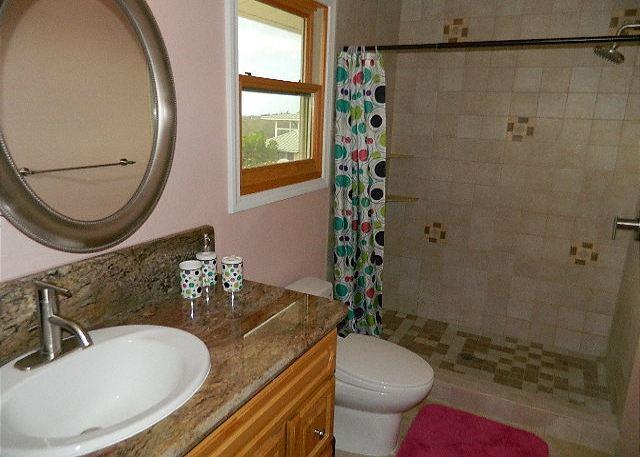 Bathroom 2  en suite to Bedroom 2