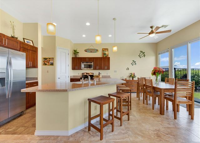 Kitchen Indoor Dining and Breakfast Bar