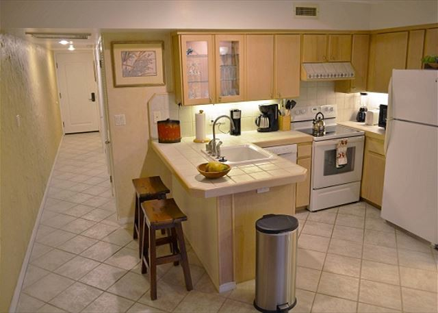 Kitchen       wwwkonacoastvacationscom
