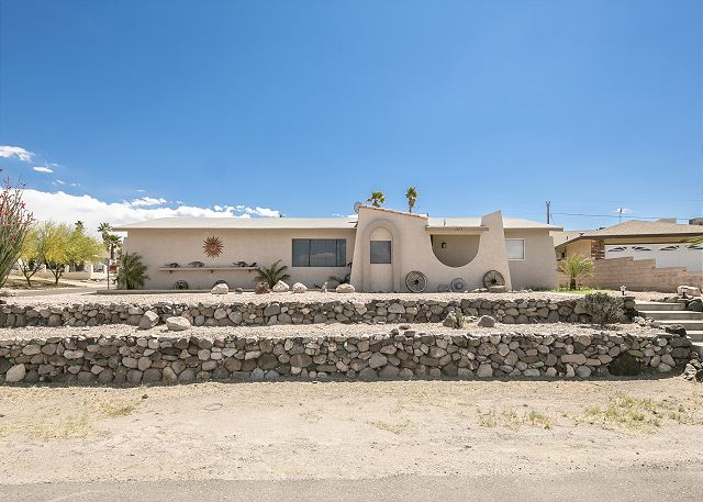 1473 Arena Circle, Bullhead City, AZ  (2BD)