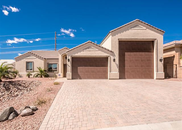 2214 EDGEWOOD DRIVE, BULLHEAD CITY, ARIZONA 86442
