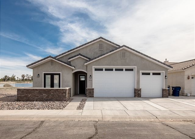 10714 Peaceful Water Cove, Mohave Valley, AZ (4BD)