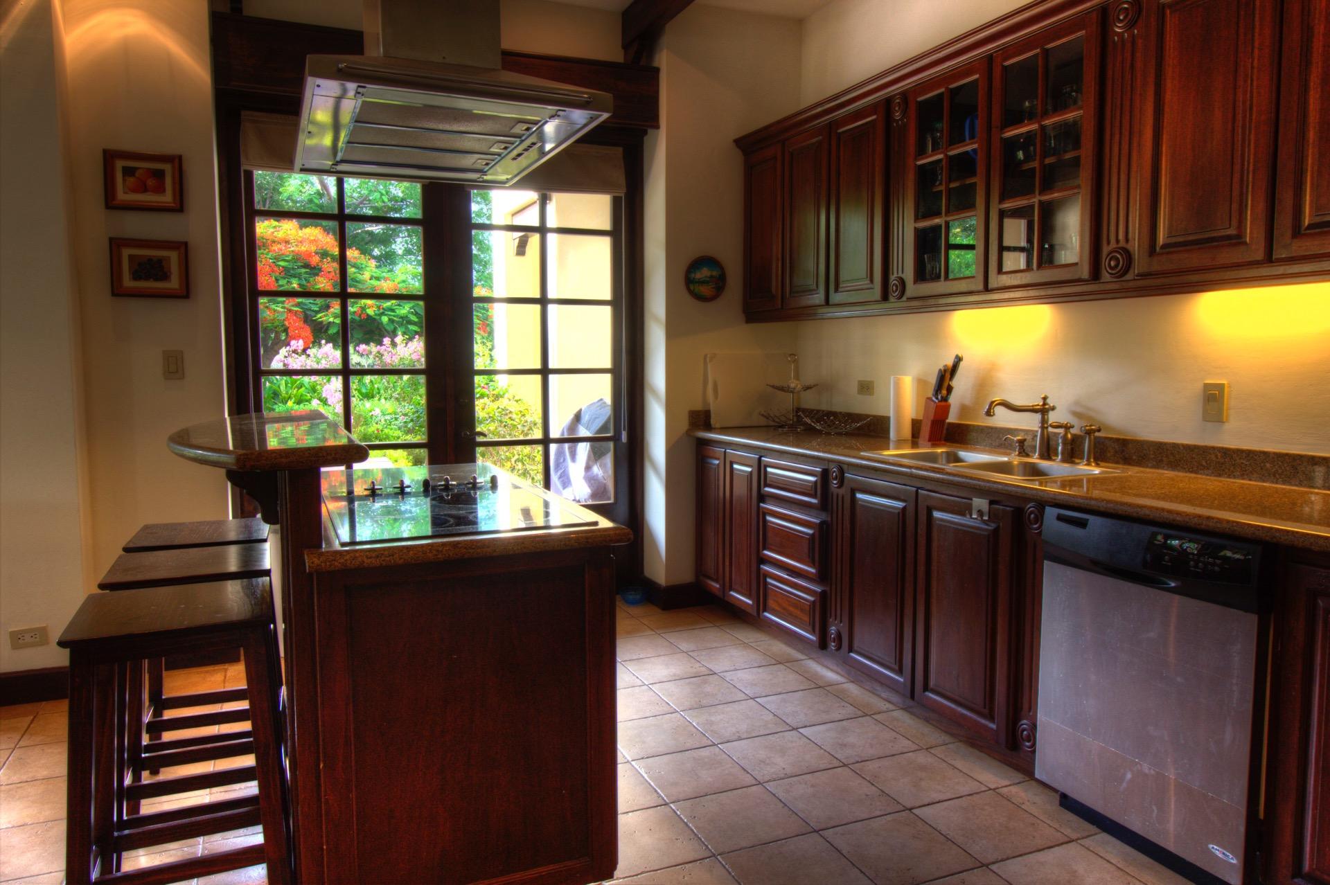 Beautiful kitchen with breakfast bar