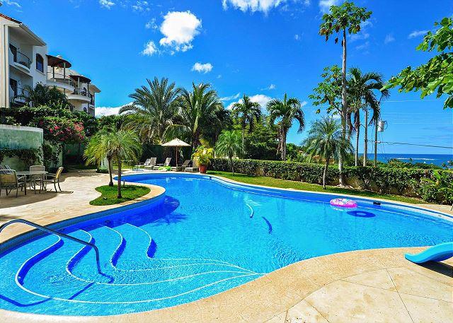 Tropical vacation paradise at Monte Perla in Tamarindo