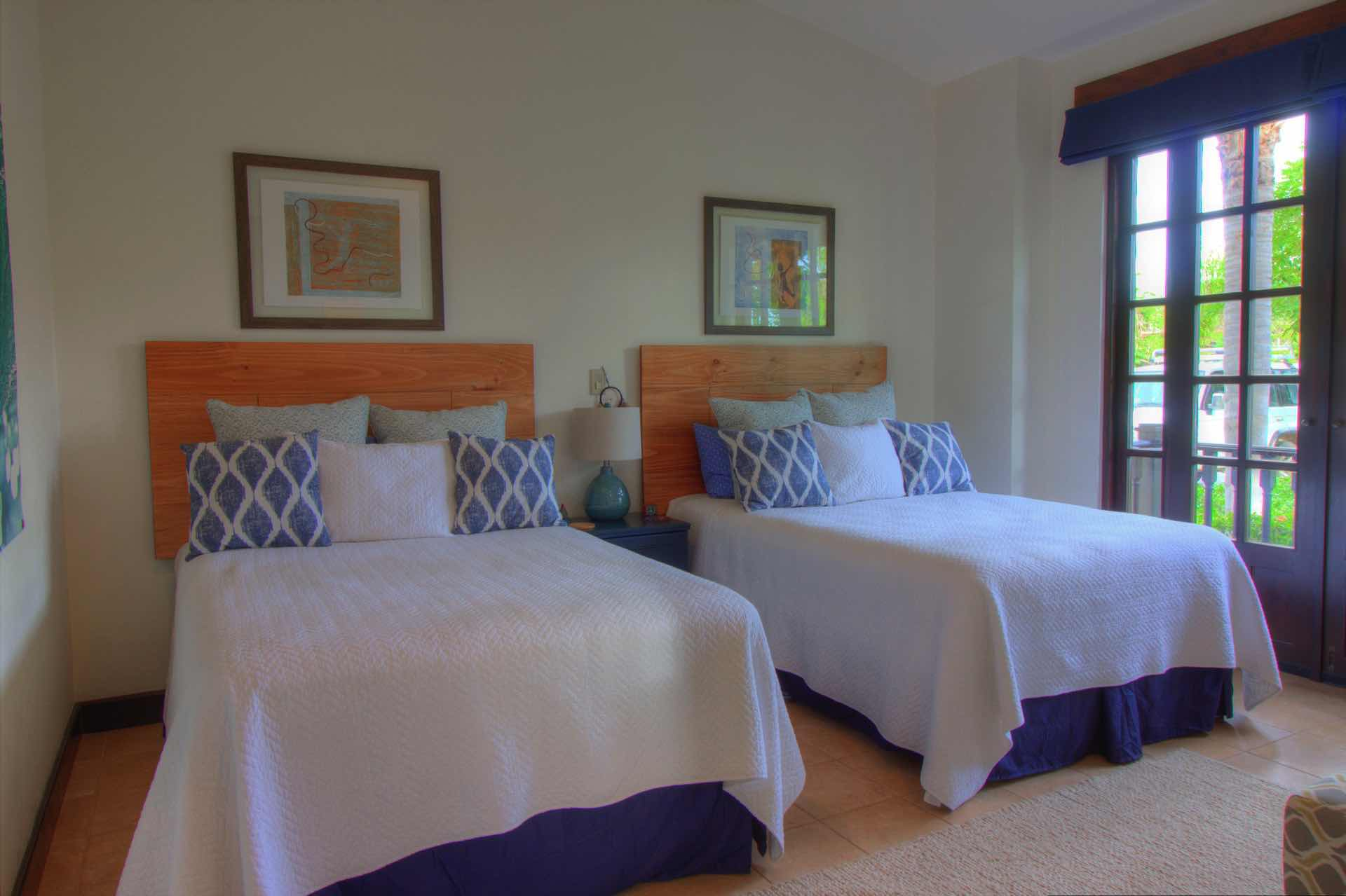Guest Bedroom with Full Beds (2)
