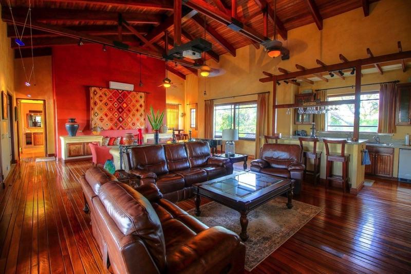 Spacious living area for everyone