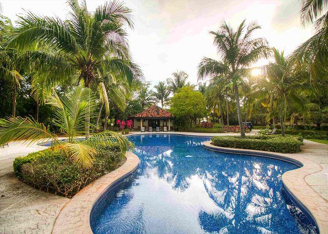 Palma Real resort pool