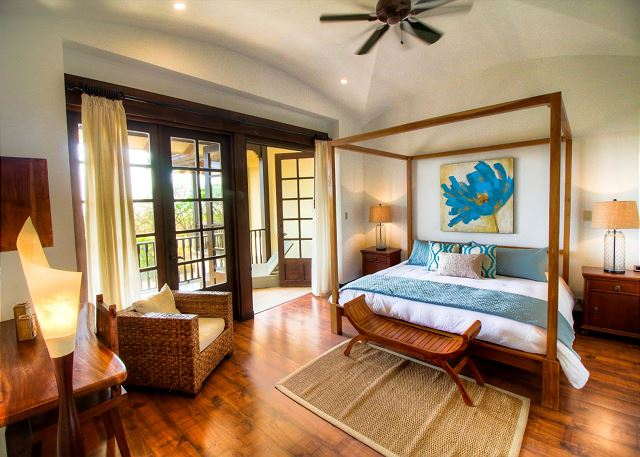 Villa Mansita's elegant master bedroom