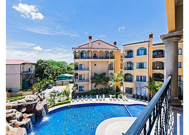 Sunrise resort's oversized pool