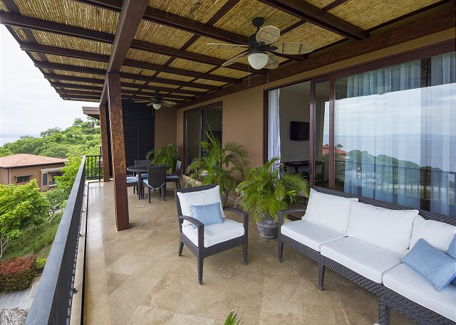 Outdoor living area for your Costa Rica vacation