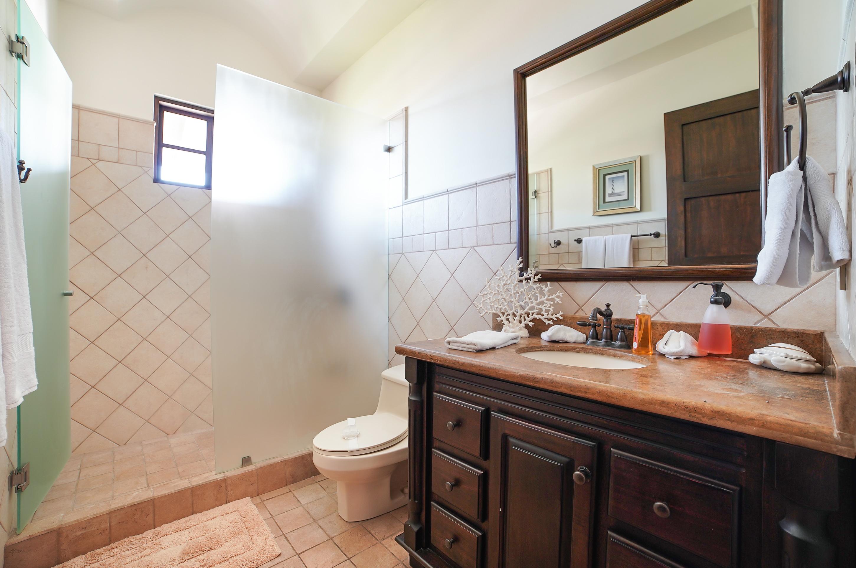 Luxury full bathroom