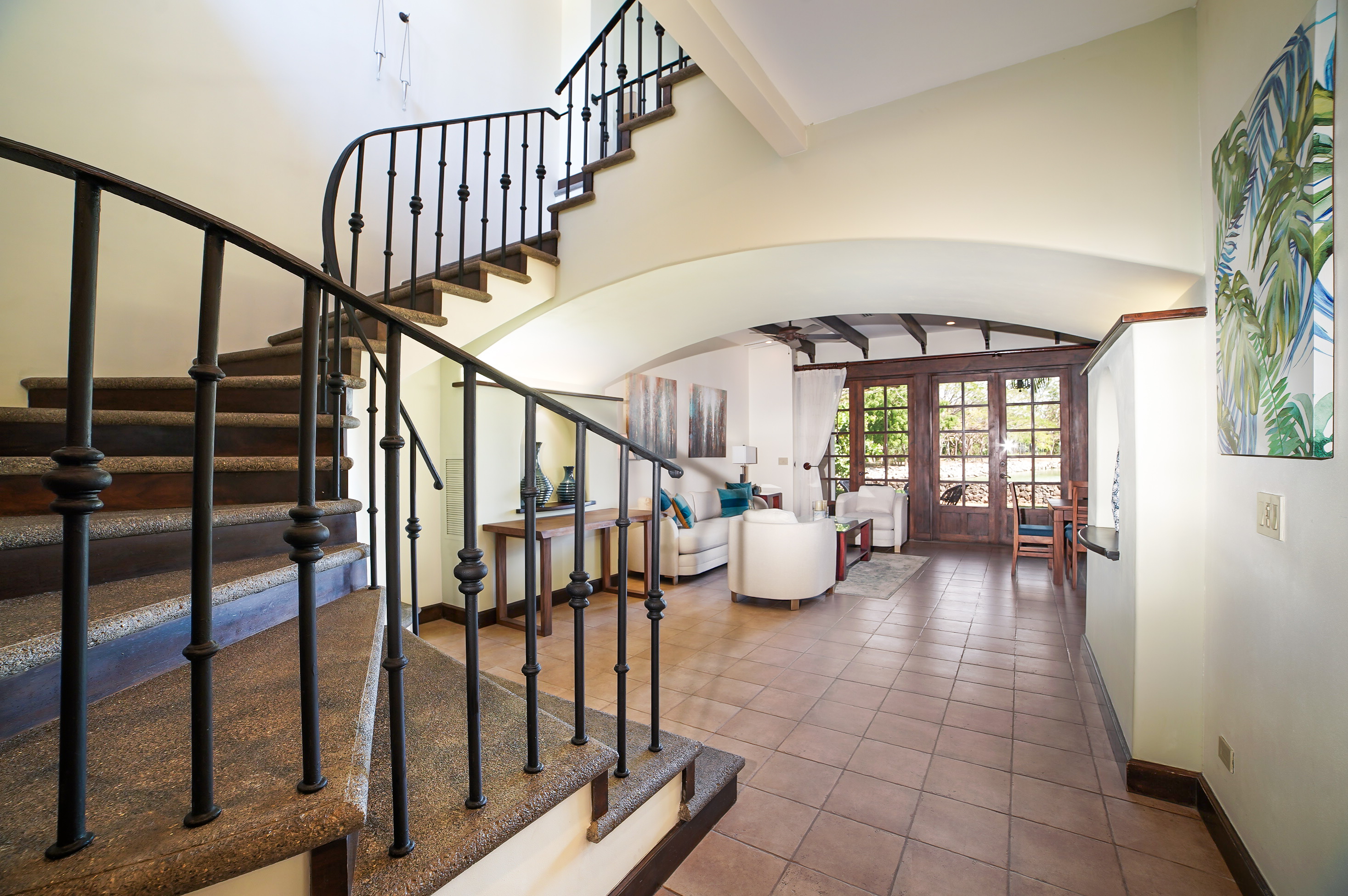 Spacious entrance with elevated ceilings