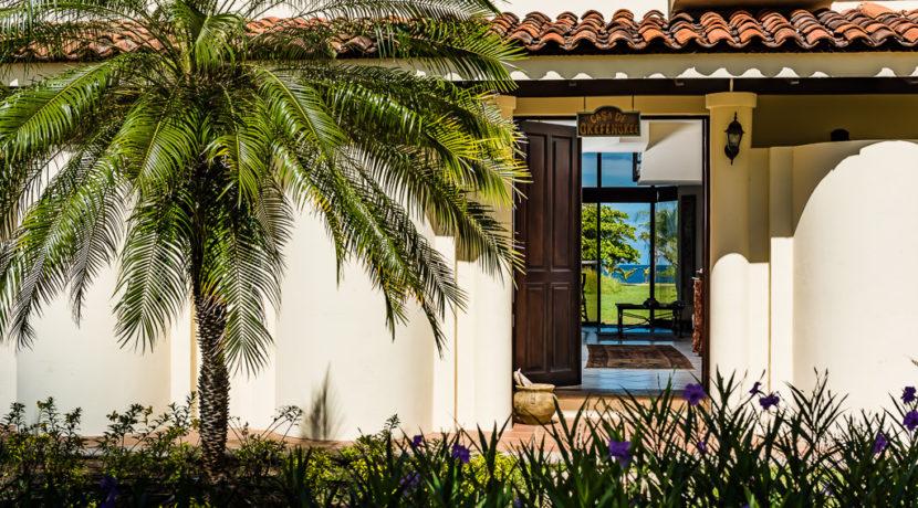 Enjoy this villa with an ocean view