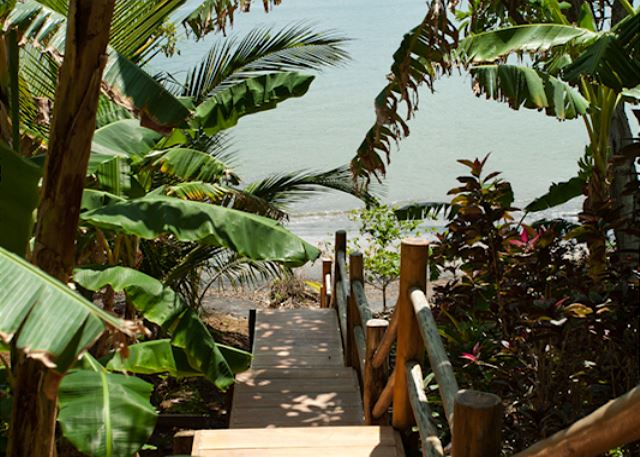 Your own private jungle path from the house to the beach