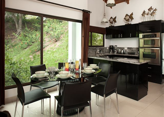 Kitchen and dining area at Casa Colibri