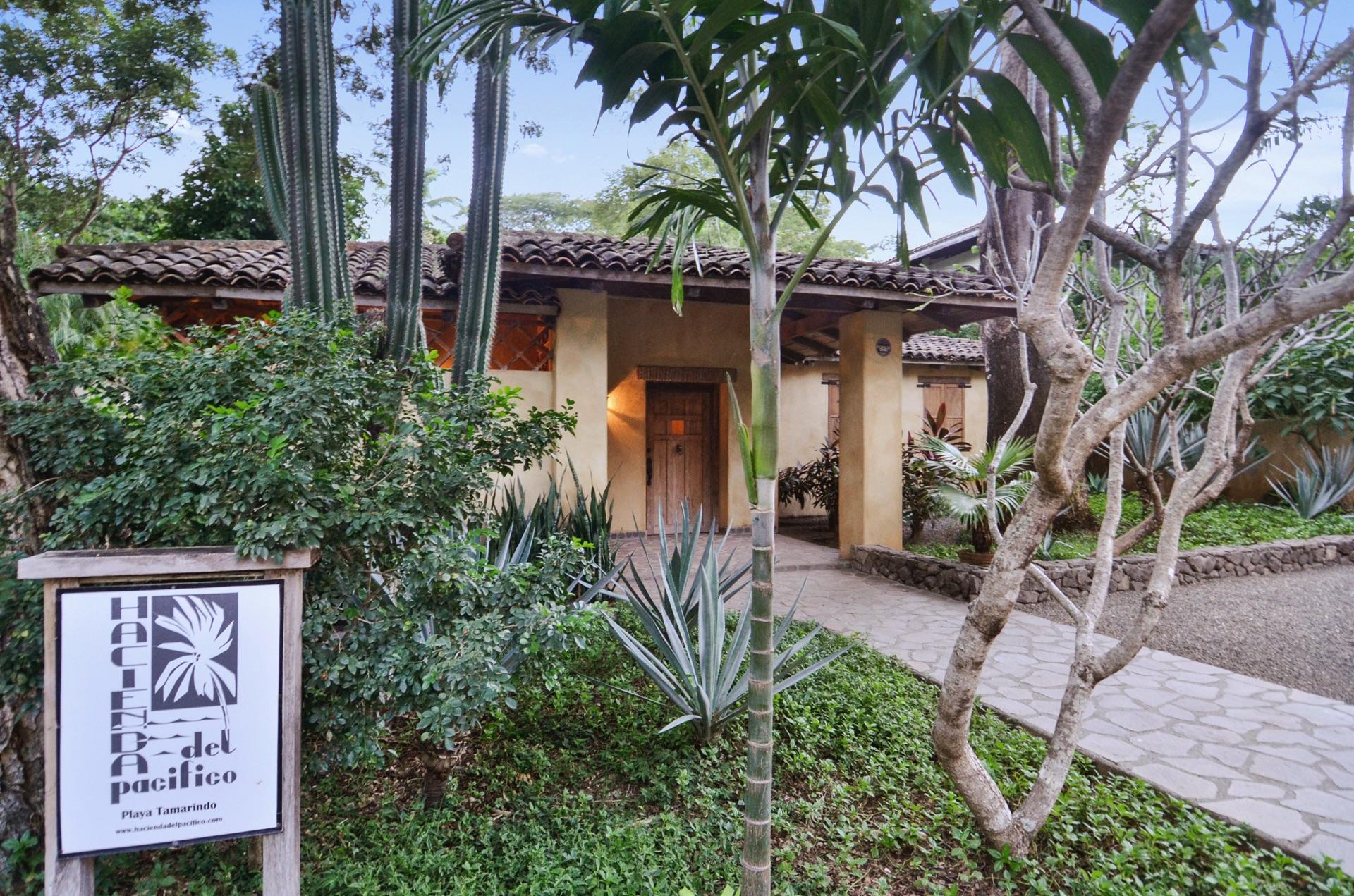 Entrance to Hacienda del Pacifico