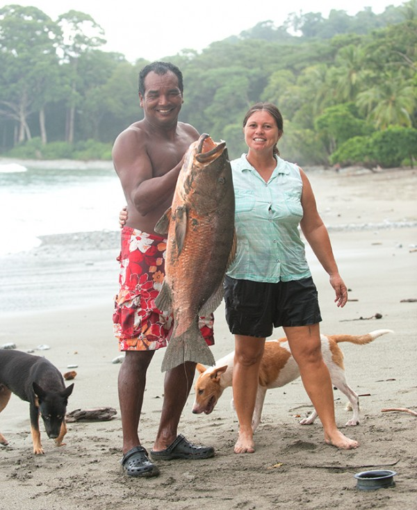 Walter & Ana with their huge fish!