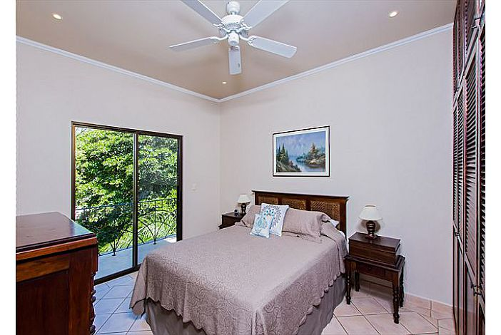 Small patio in guest bedroom
