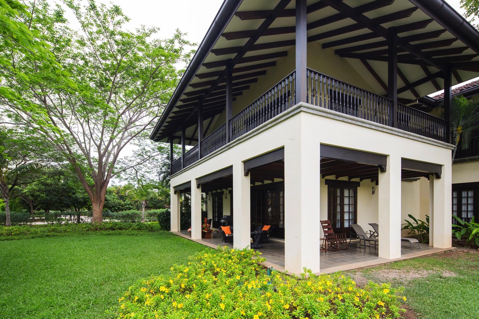 Balcony, Patio and Backyard
