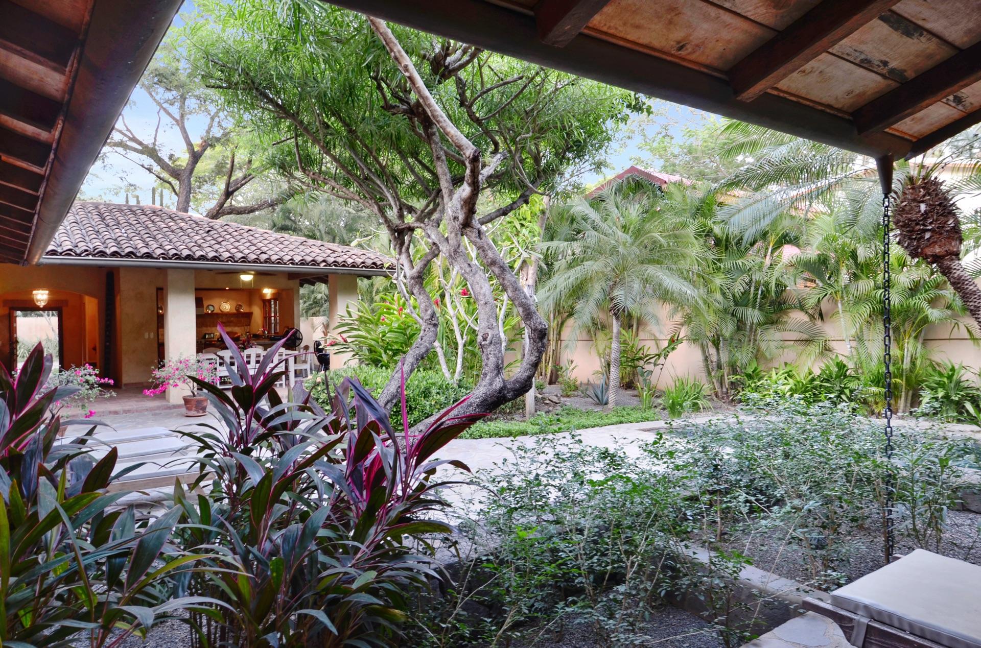 Hacienda del Pacifico grounds