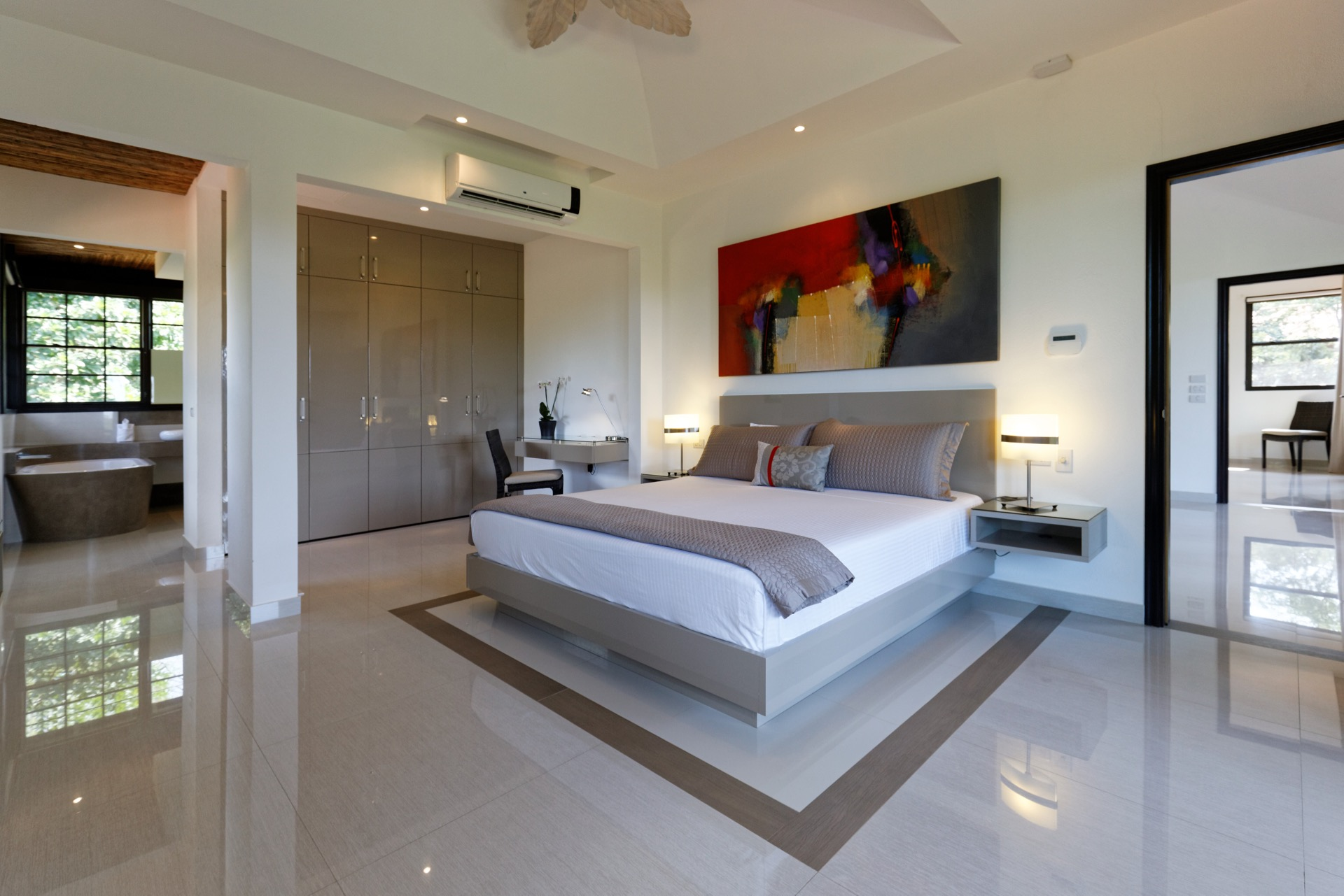 Large bedrooms with king size bed and A/C