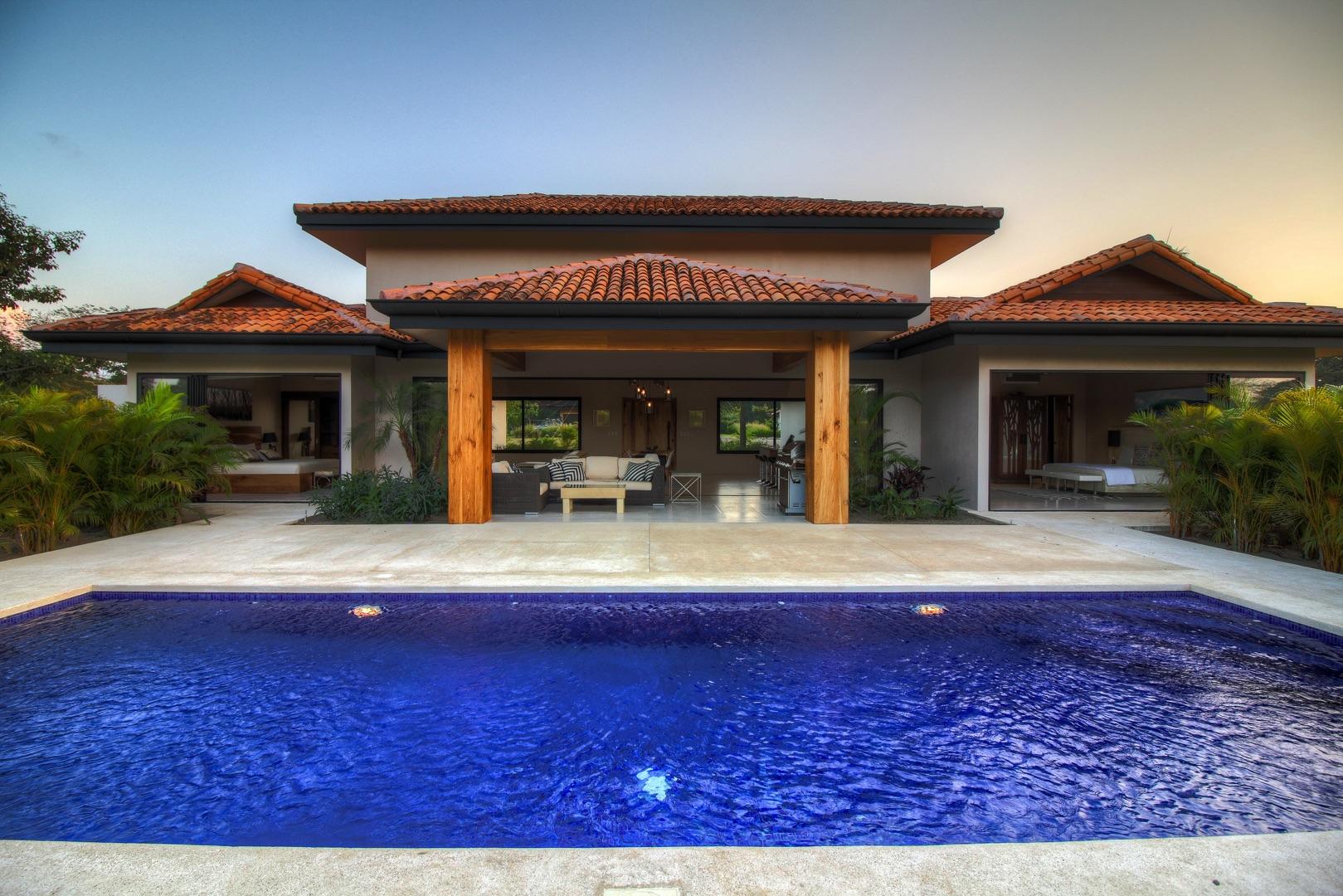 Tropical indoor/outdoor