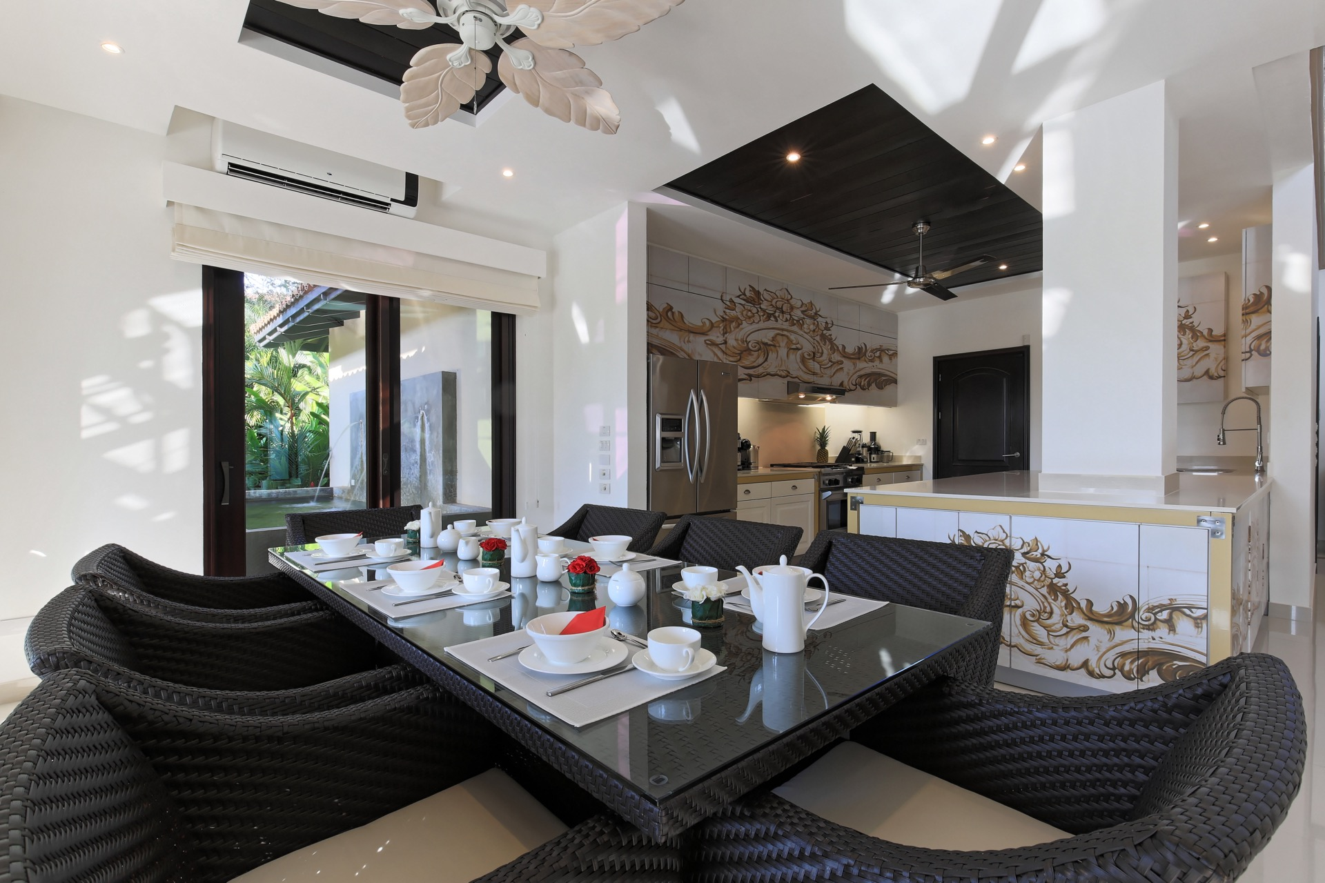 Dining space for the whole family!