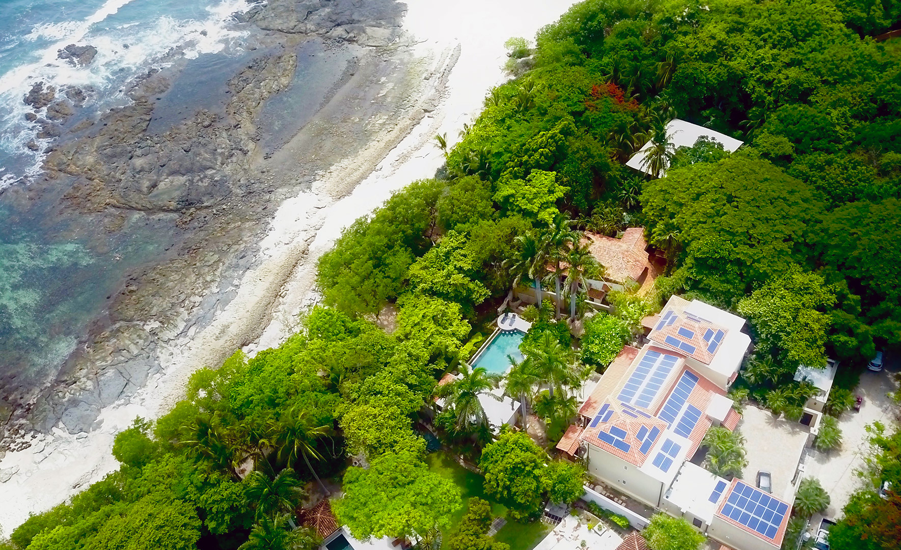 Ecologial home with Solar Panels in Costa Rica!