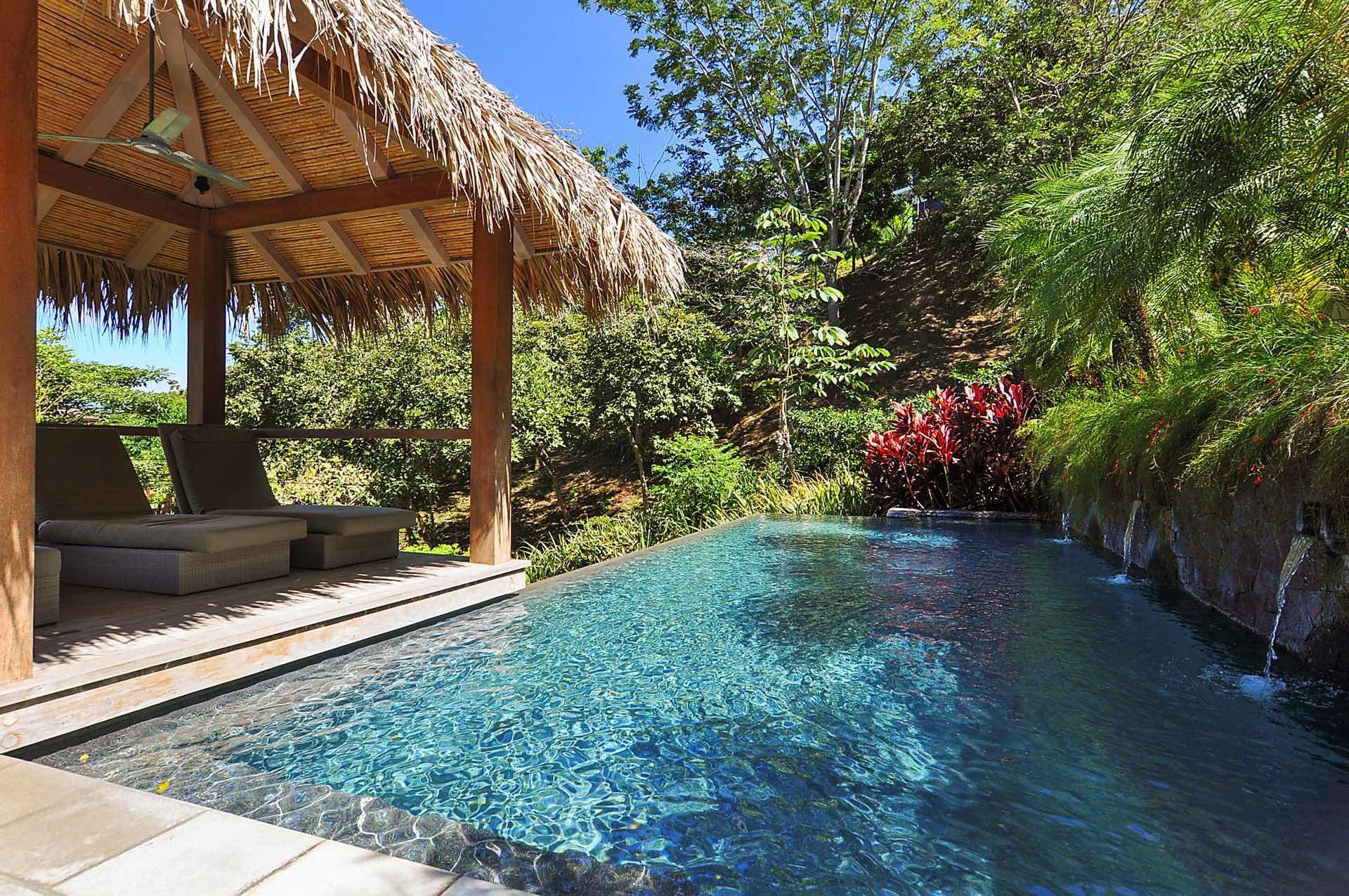 Las Mareas private resort pool