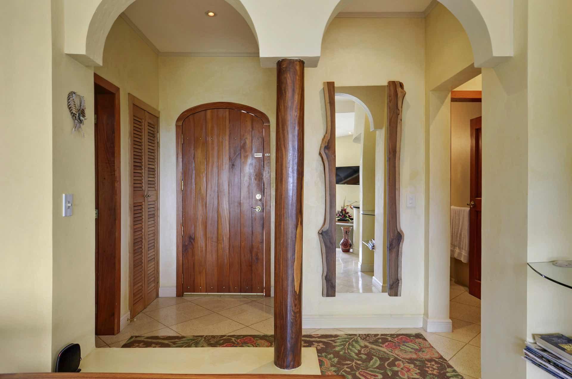 Entryway, Monte Perla #2