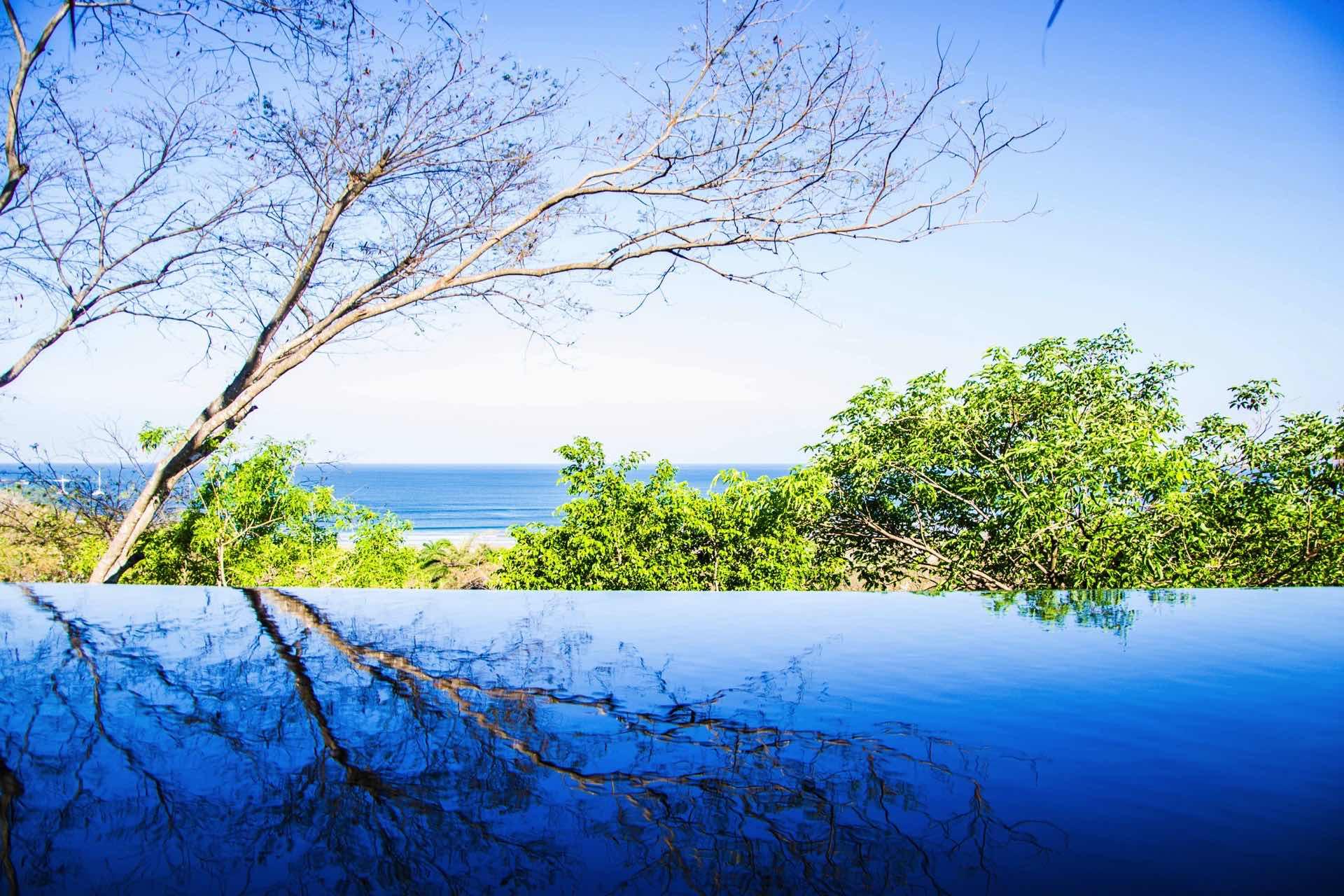 infinity pool overlooking infinite horizon