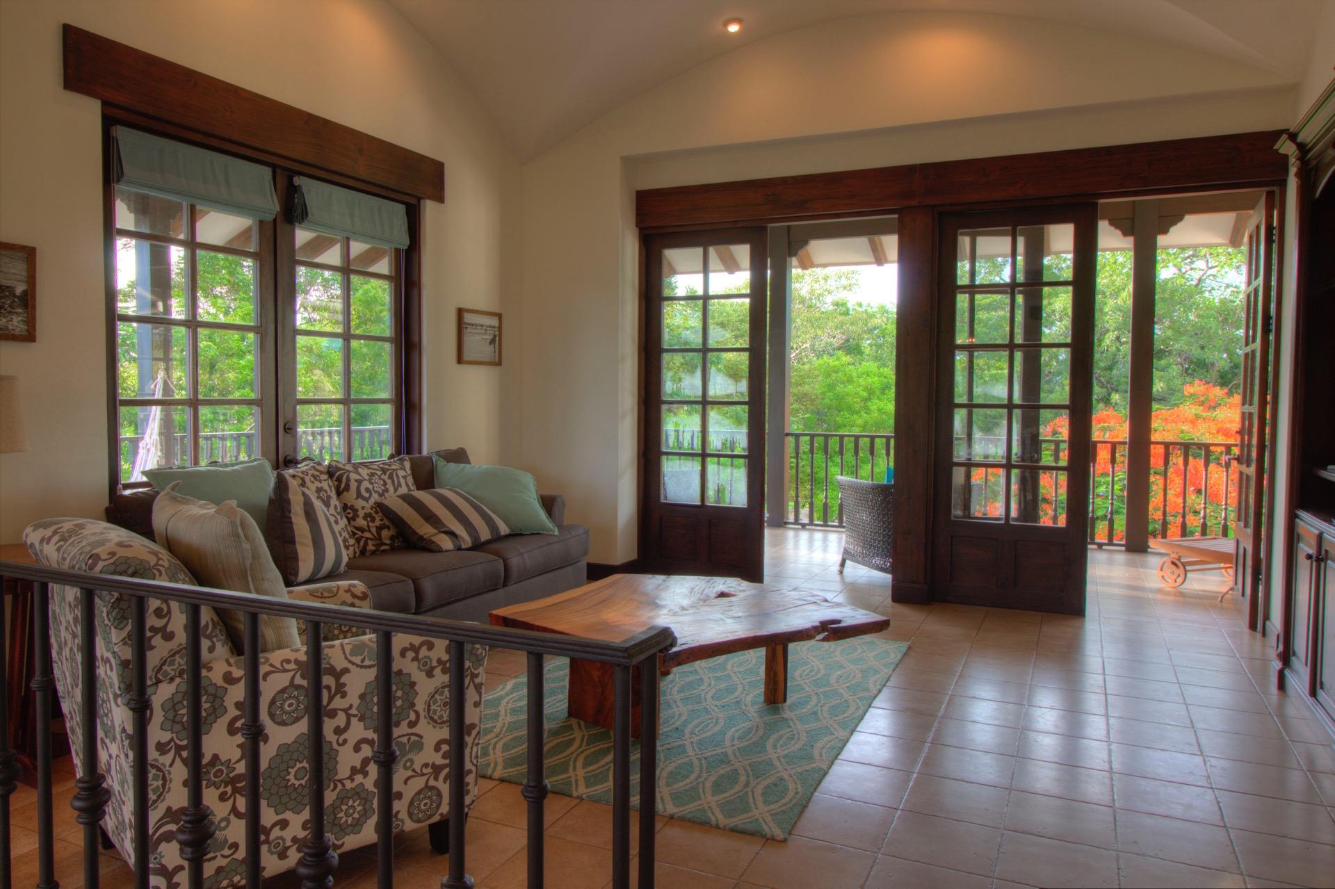 Beautiful living area in 2nd floor