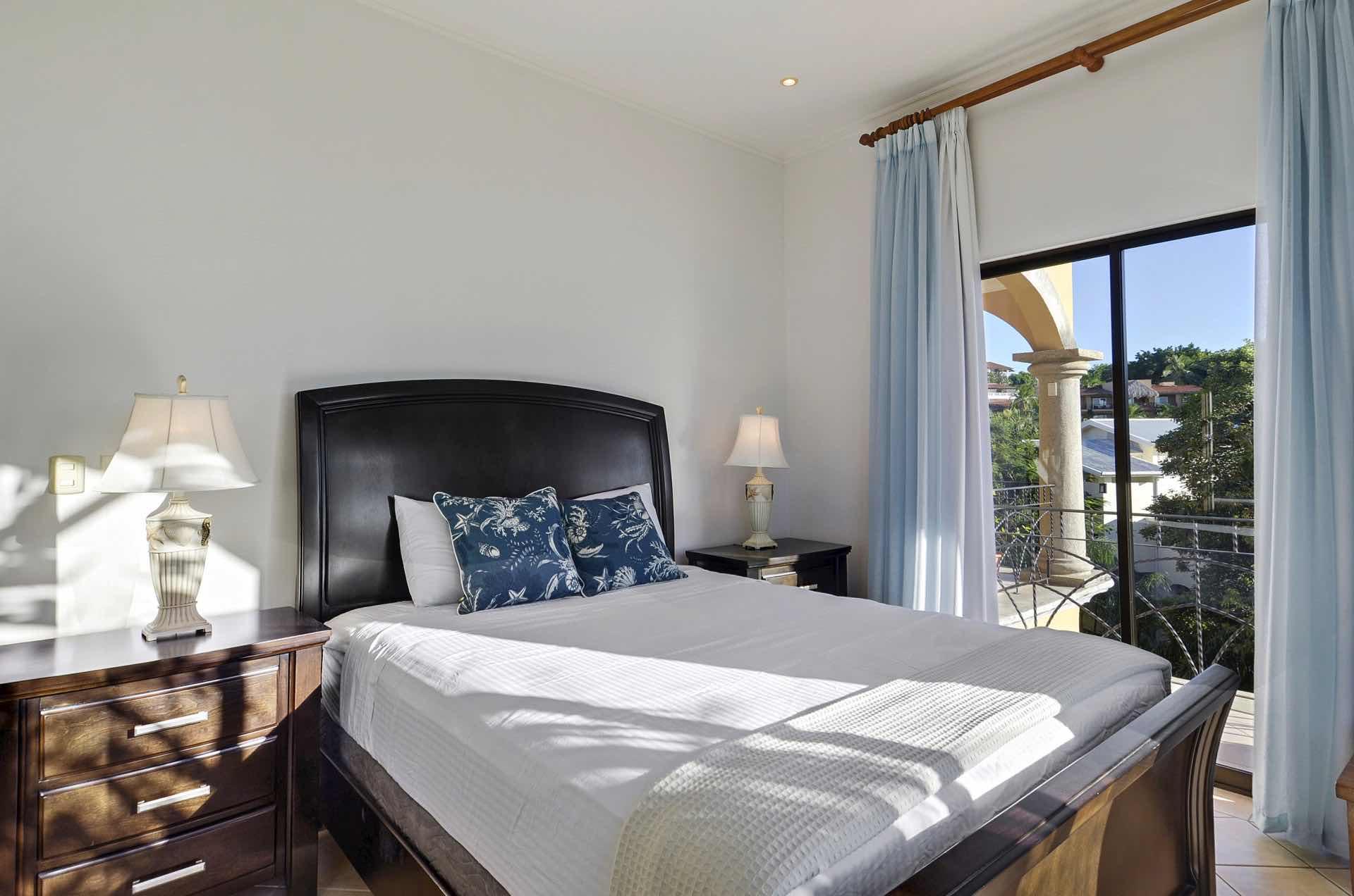 Comfortable queen side bed
