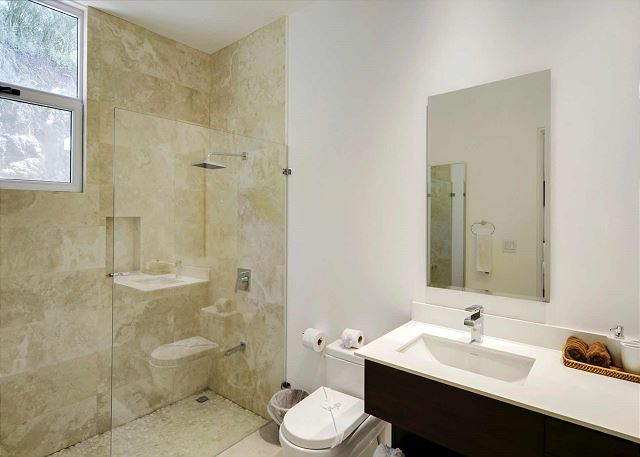 All bathrooms with shower