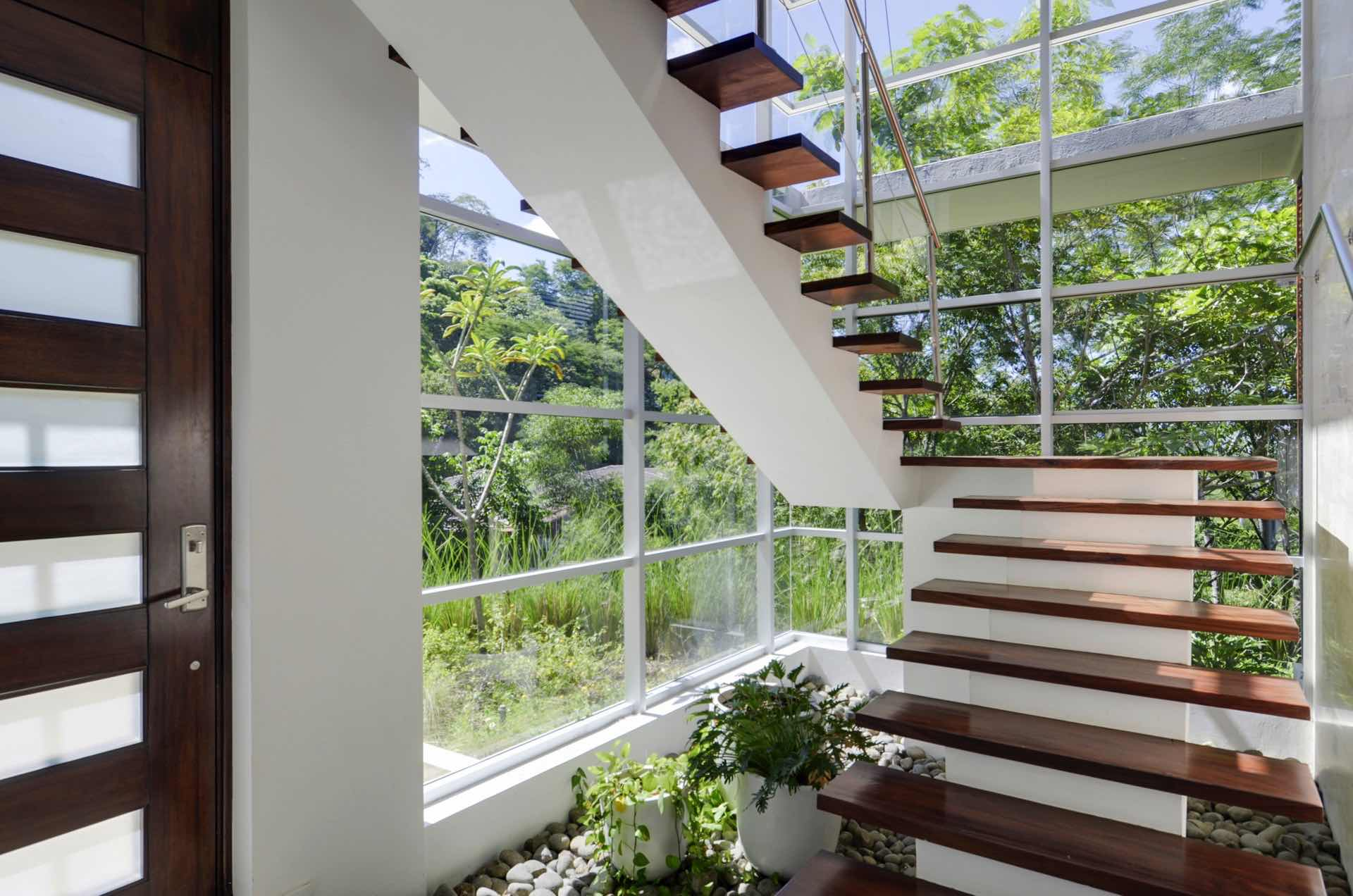 Floating stairway to second level