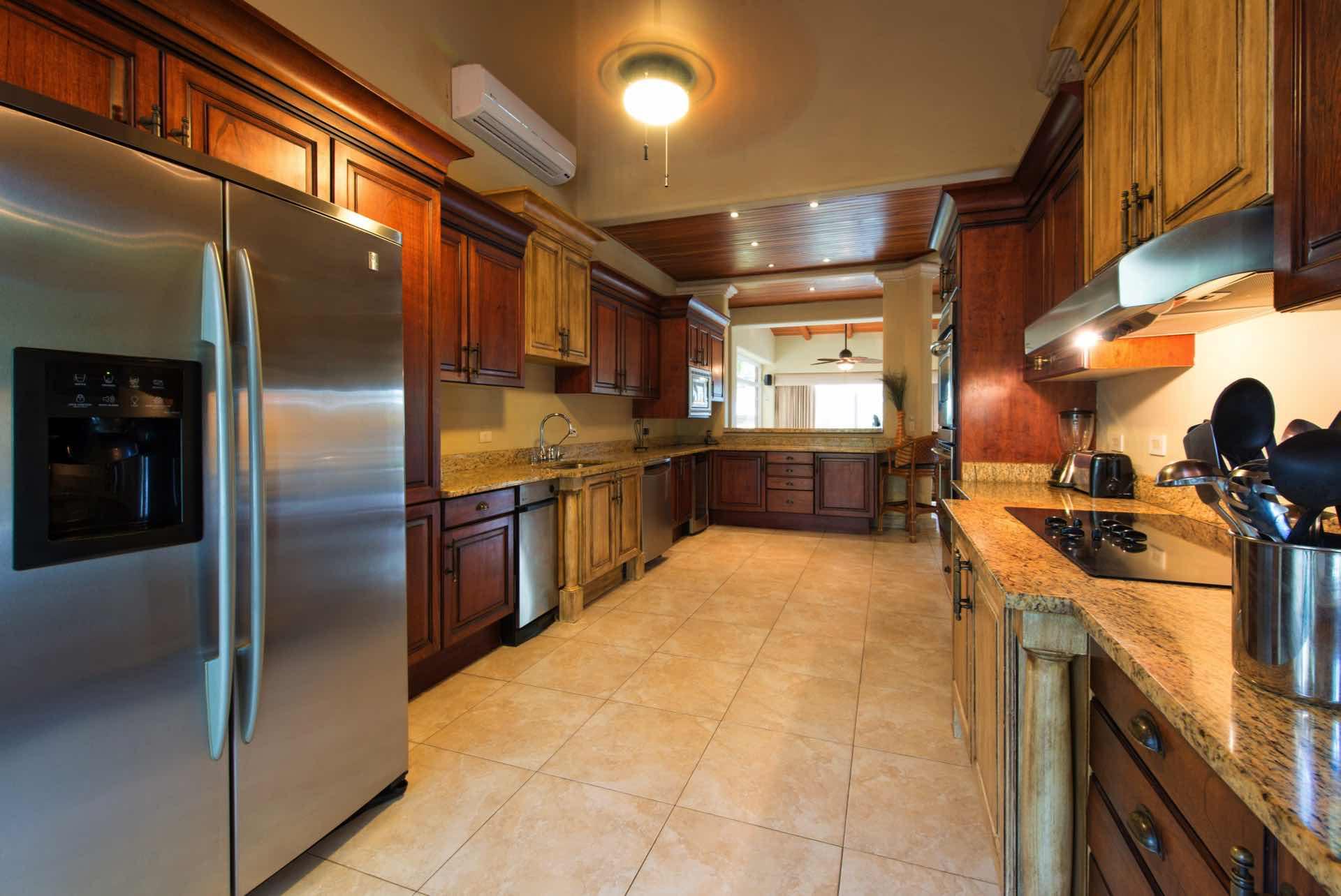 Full gourmet-ready kitchen