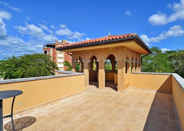 Rooftop terrace for all La Esquina guests