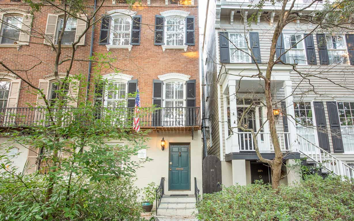 The Sarah Elizabeth House On Jones Savannah Rentals