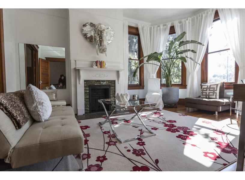 large stylish living room - Living Room Rentals