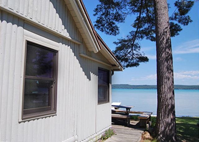 The Pines...an adorable cabin on Big Glen Lake!