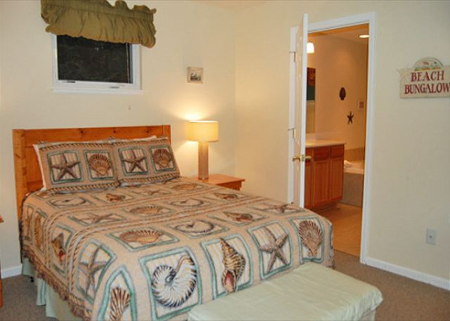 Glen arbor mi united states uncle warren 39 s retreat leelanau vacation rentals Jacuzzi tub in master bedroom