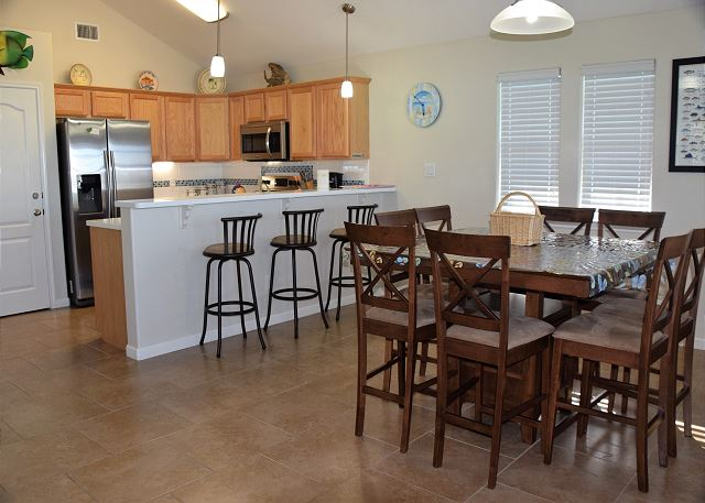 Large open space in Kitchen and Dinning Room.