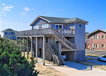 Lighthouse view cape hatteras lodging for Hatteras cabins rentals