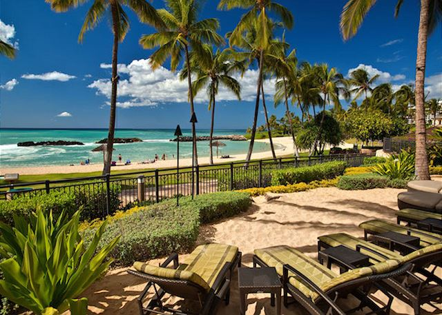 Comfortable Beach Bar Chairs at Ko Olina